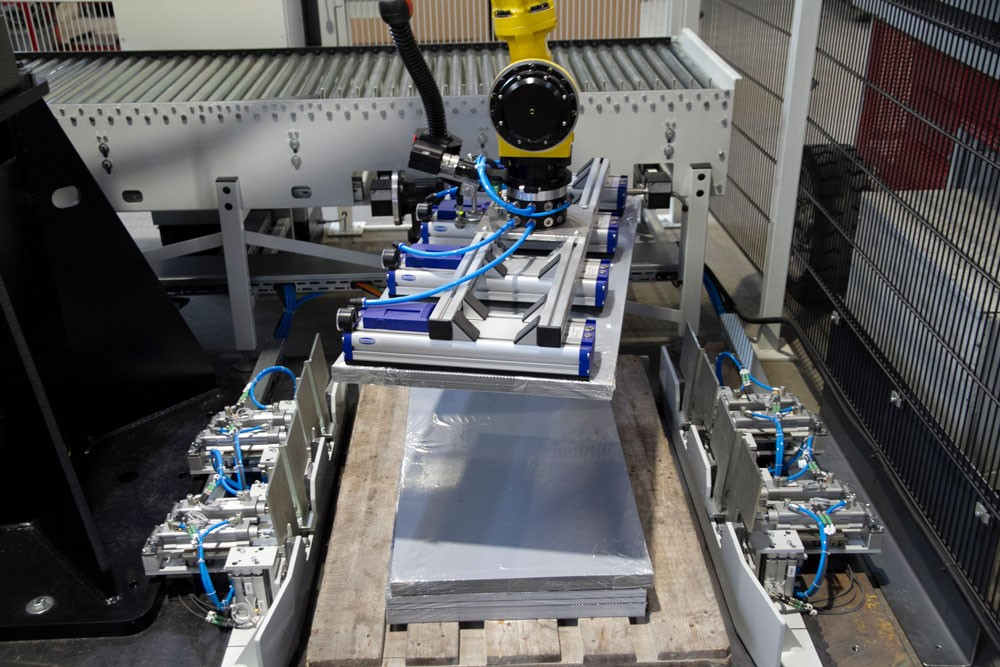 Packbildgenerierung mit Roboter und Greifern