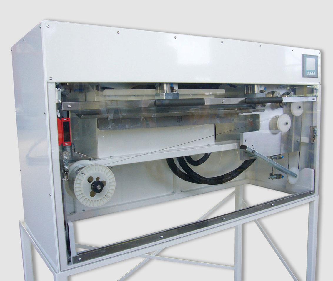 Automat zum Recken und Schneiden von Lötbändchen
