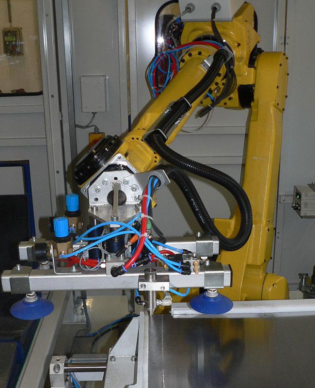 Trennblechhandling mit Industrieroboter