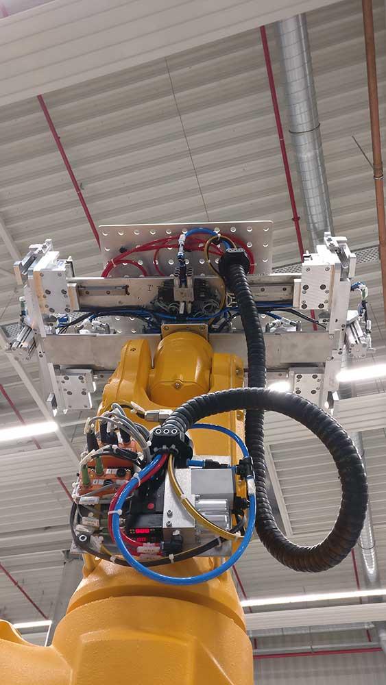 Kombigreifer am Roboter