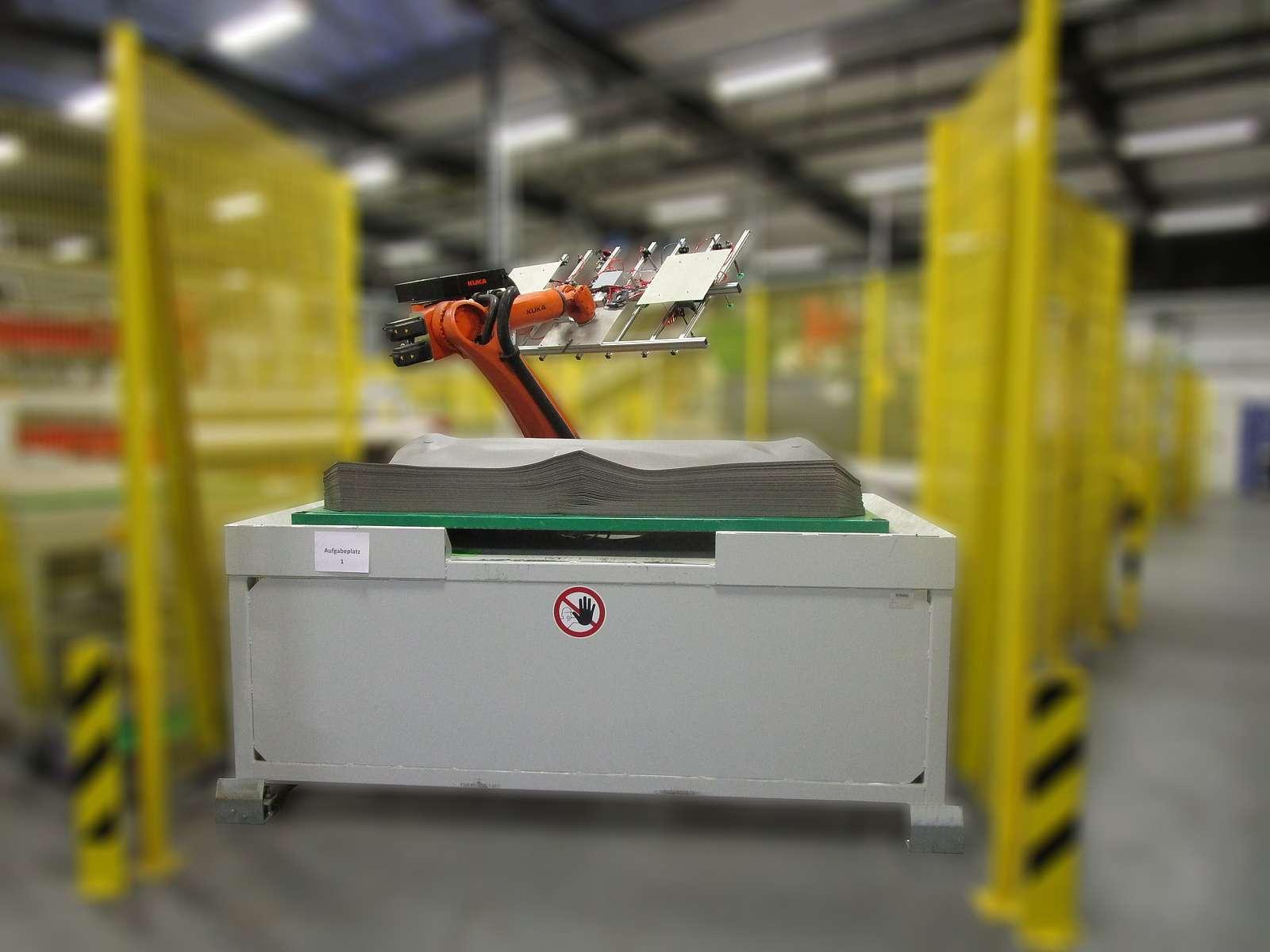 Roboterautomatisiertes Tiefziehen von Schwerfolien
