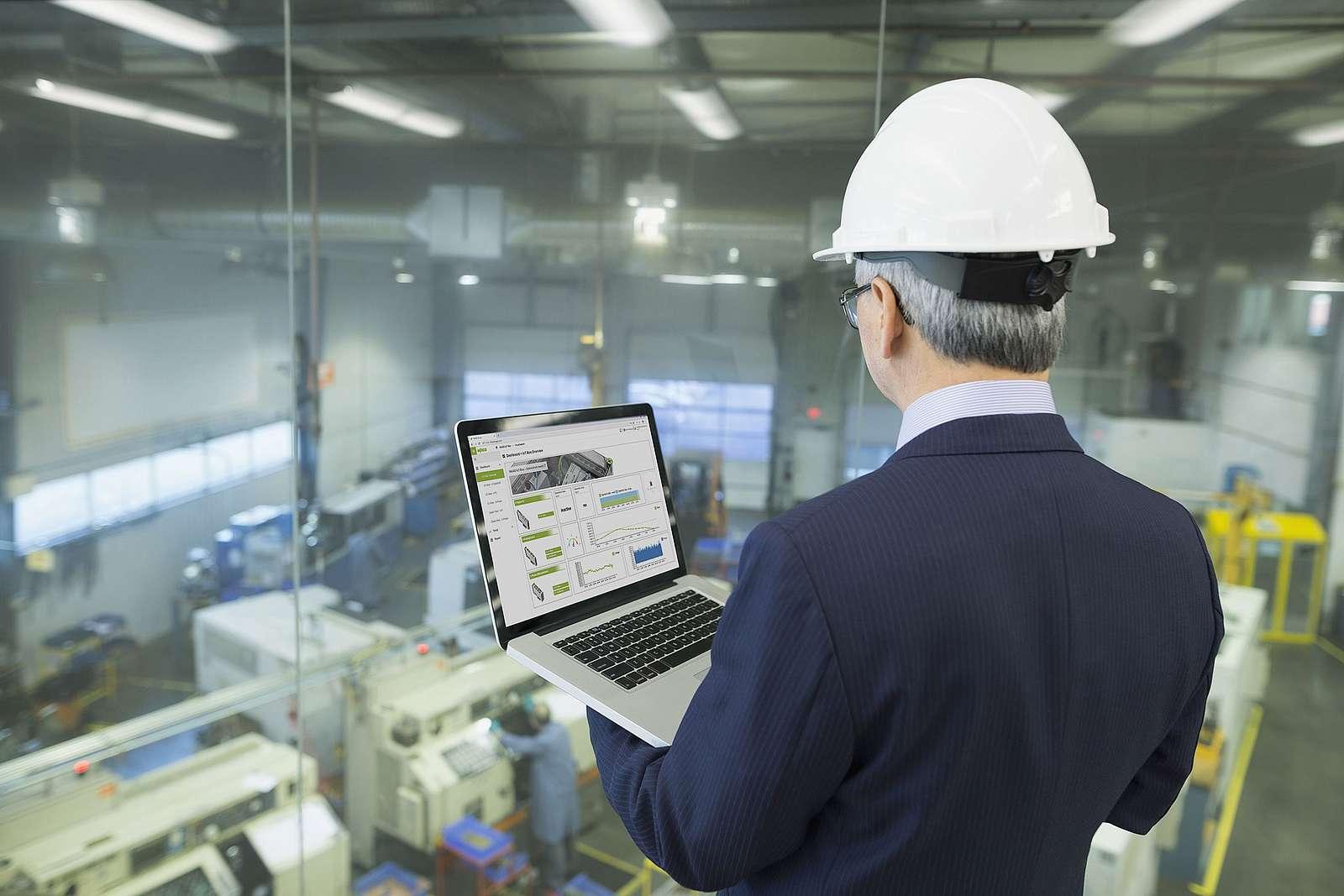 Die zunehmende Digitalisierung verändert nicht nur den Alltag, sondern auch die industrielle Fertigung, Geschäftsmodelle und die Anforderungen an die Mitarbeiter ©Wago
