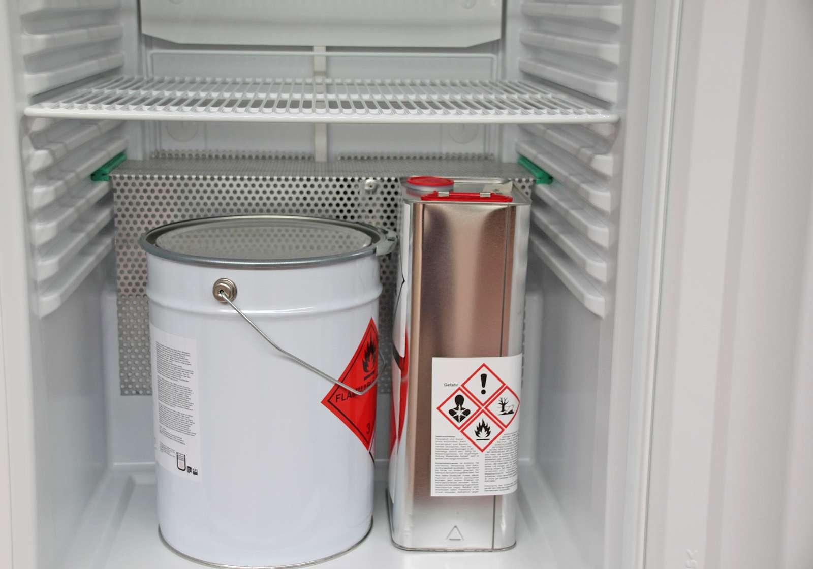 Integrierter Heizkörper sorgt für sofortigen Arbeitsbeginn mit gebrauchsfertigem Harz