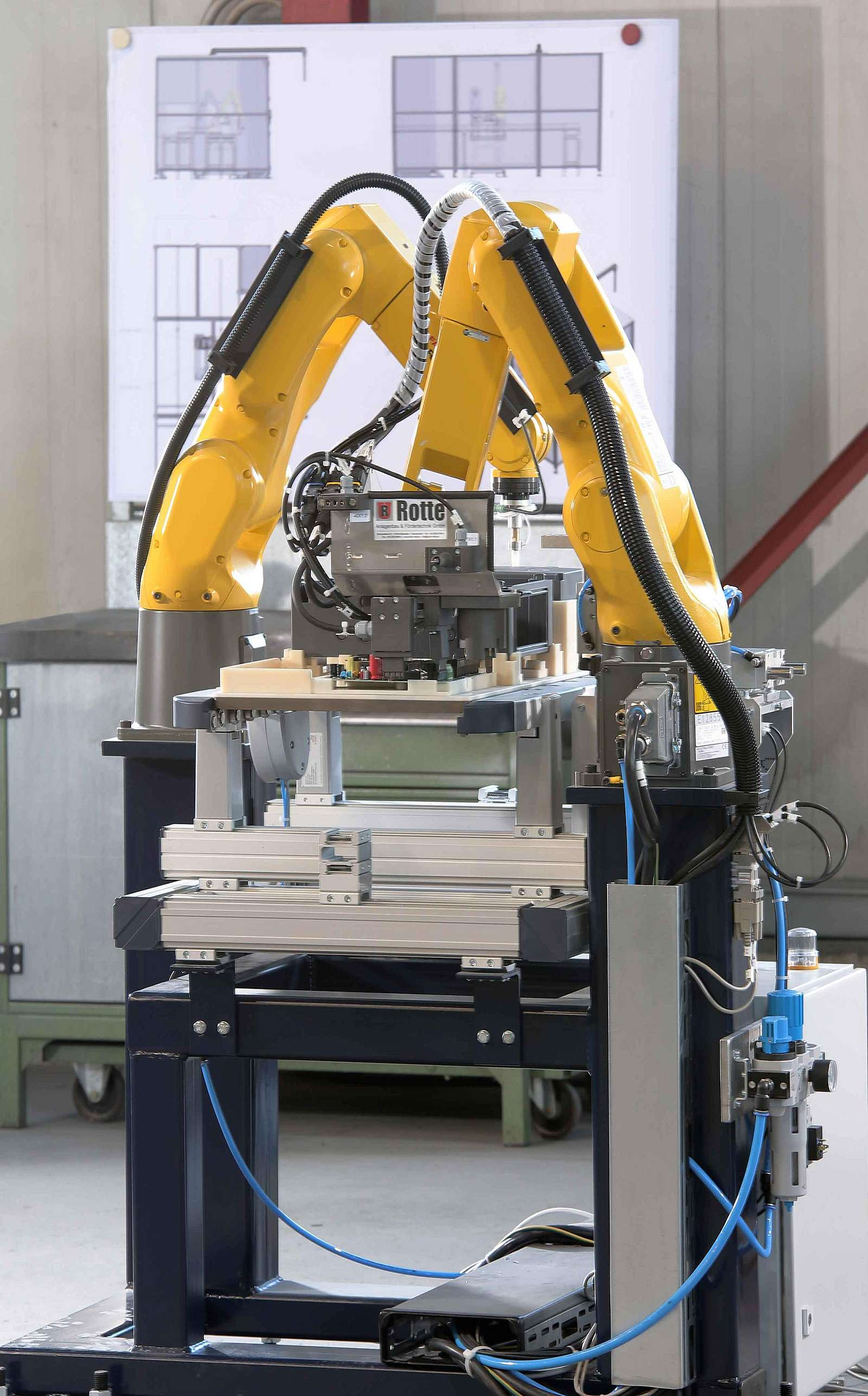 Robot cell for quality control