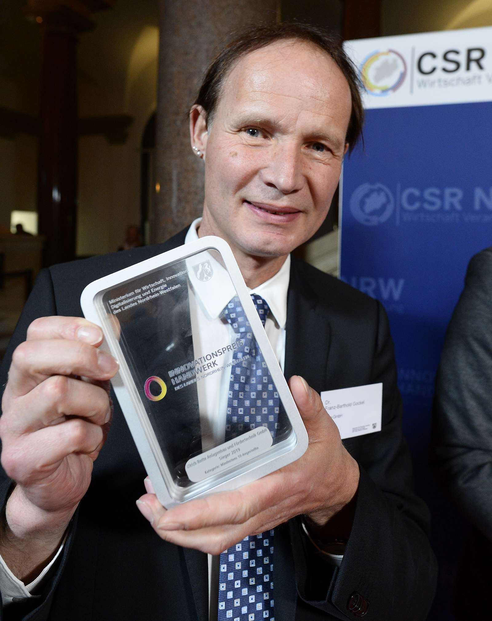 Dr. Franz-Barthold Gockel mit dem Innovationspreis 2019