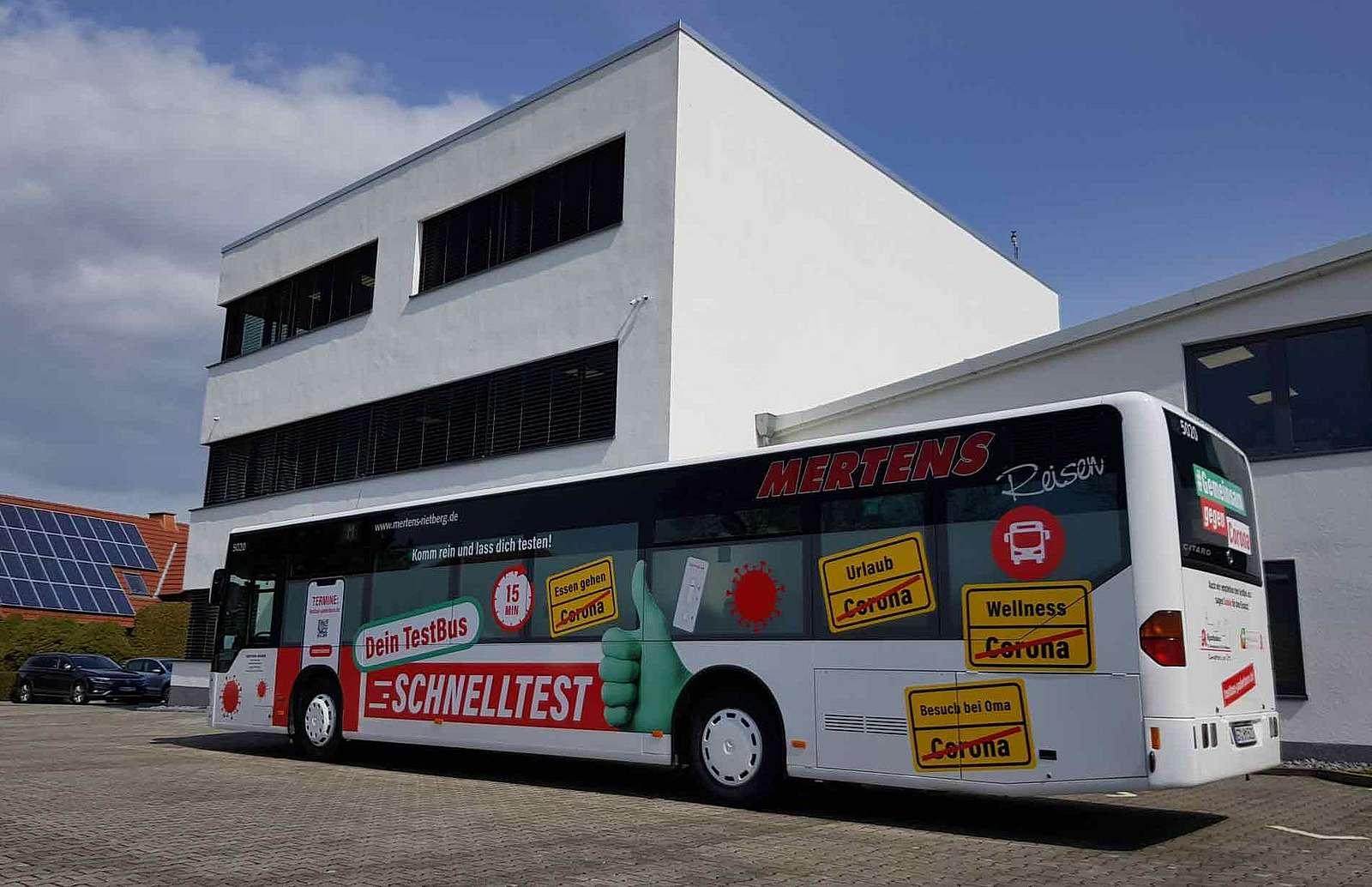 Corona Schnelltest Bus bei Fa. Rotte