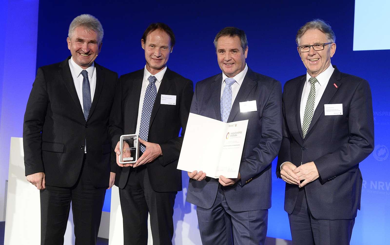 Innovationspreis 2019 Wirtschaftsminister Pinkwart mit Dr. Franz-Barthold Gockel, Ulrich Rotte